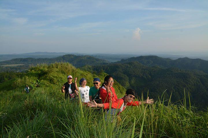 Bukit Besek di Desa Cikendung Pemalang. Indonesia Traveller Guide.