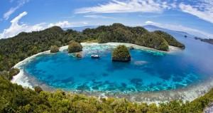 Kawasan Wisata Kepulauan Mandeh Raja Ampat Dari Sumatera Barat. Indonesia traveller guide.