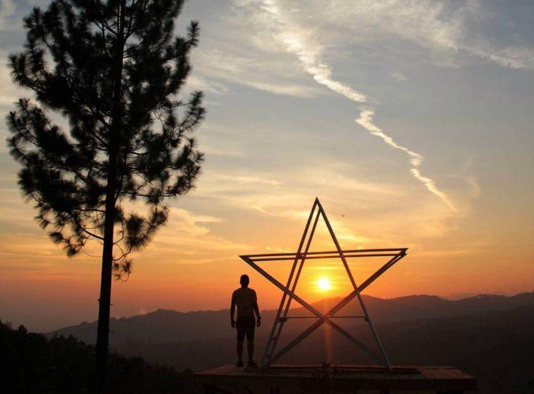 Sunset di Bukit Tangkeban Pemalang Indonesia Traveller Guide.