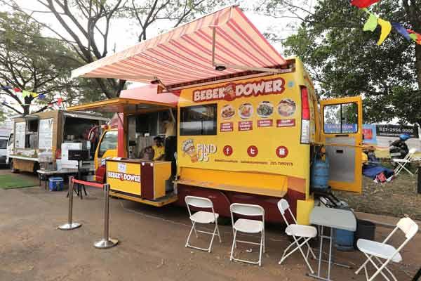 Food Truck bebek dower, Indonesia Traveller.